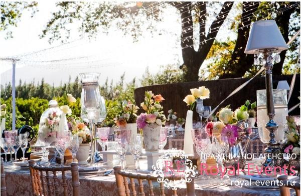 свадебный банкет на природе